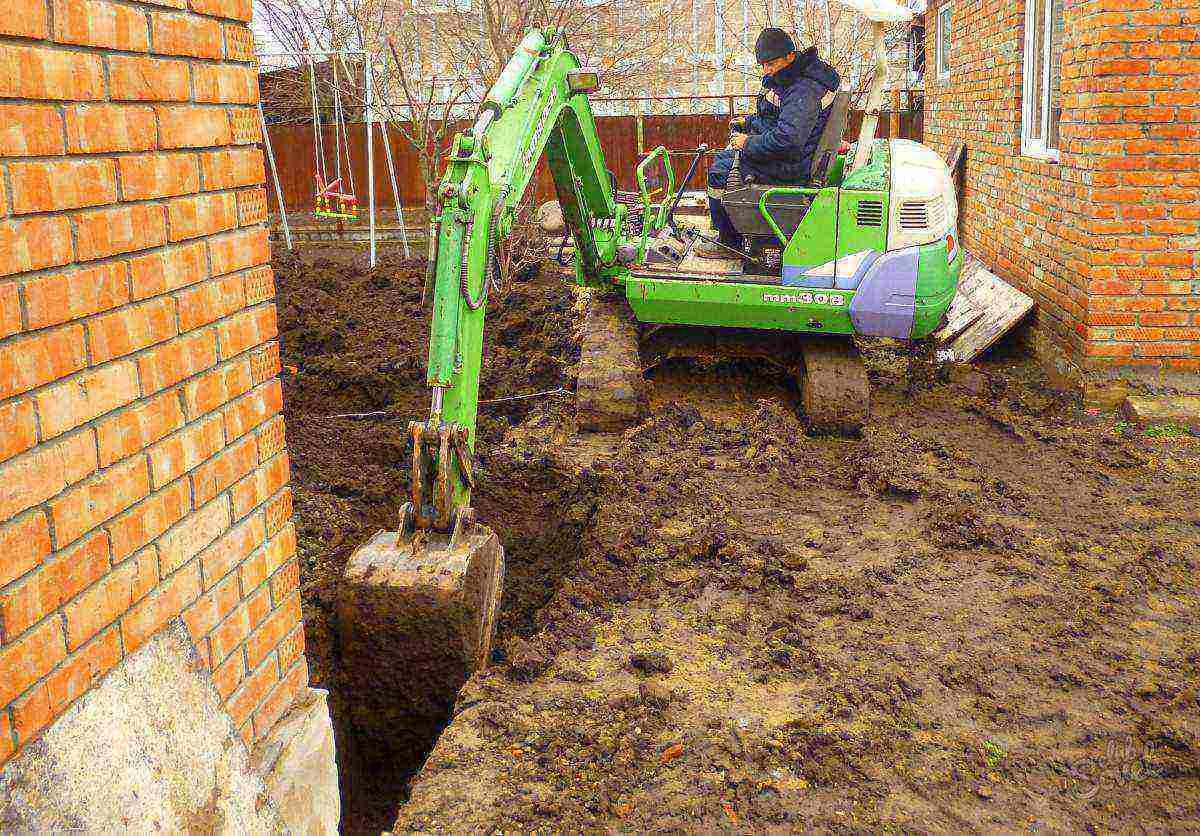 Ремонт просевшего угла фундамента. строительные советы от cеменыча