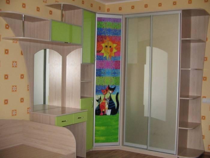 Советы по выбору углового шкафа в детскую, типовые габариты мебели