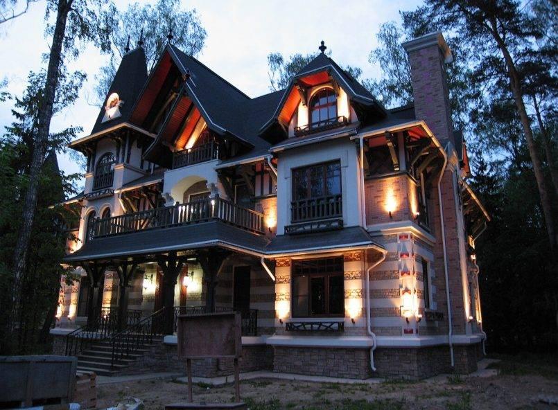 Архитектурная подсветка фасада частного дома: правила устройства + примеры