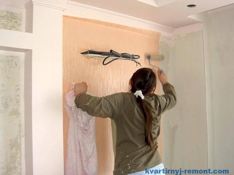 Как клеить флизелиновые метровые обои – инструкция и полезные советы