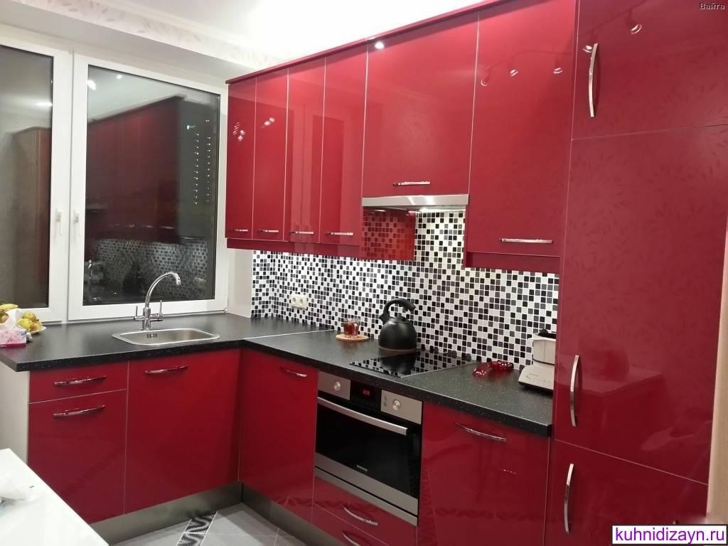 Бордовые кухни (84 фото): выбор кухонного гарнитура цвета бордо в интерьер, сочетание гарнитура в бордовых тонах с белыми и бежевыми оттенками