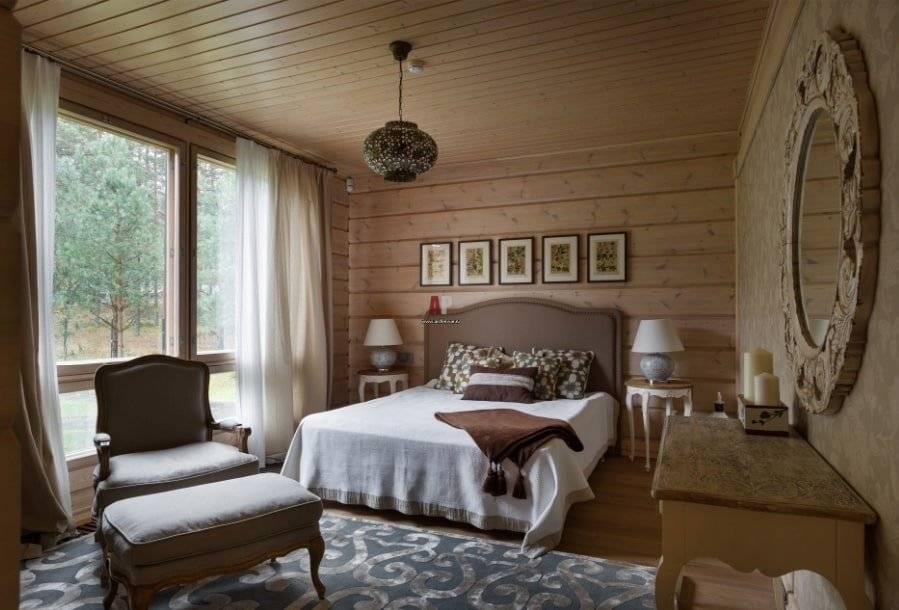 Спальня в деревянном доме - фото дизайна