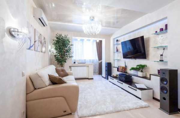 Серо-белая гостиная – современная классика
