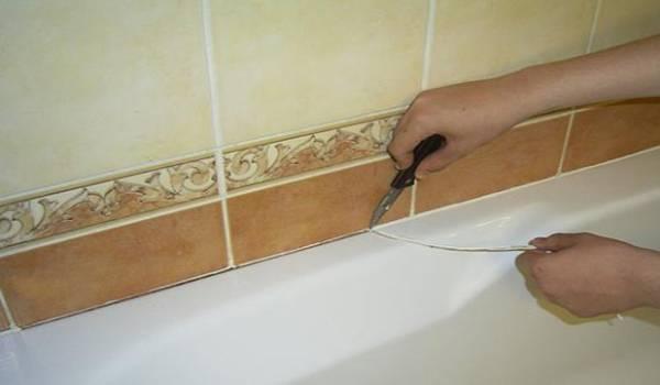 Герметизация ванны со стеной — чем и как заделать стык между ванной и стеной (фото, видео)