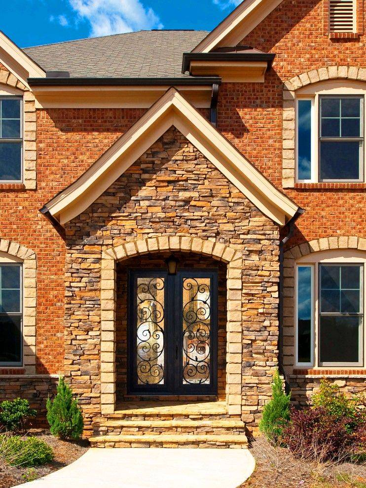 Входные металлические двери с ковкой и декоративные элементами: железные и стальные