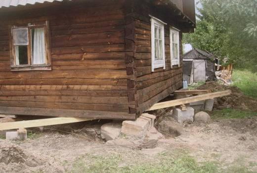 Какой фундамент лучше для дома из бревна