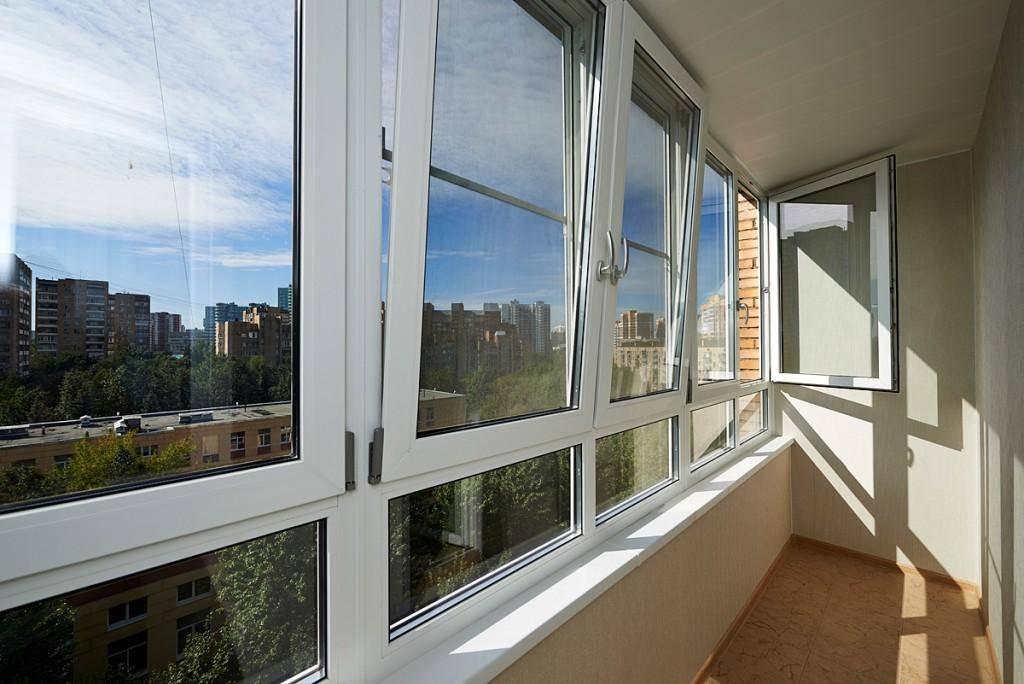 Установка пластиковых окон на балконе или лоджии: выбор и монтаж