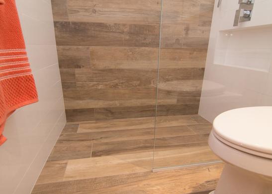 Керамогранит для ванной: как выбрать и какой лучше, обзор плитки