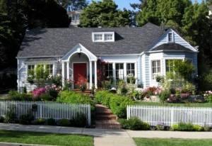 Как оформить палисадник перед домом своими руками