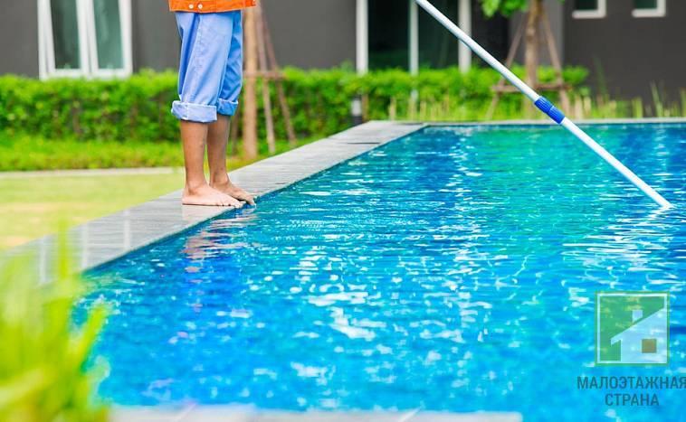 Как очистить бассейн на даче