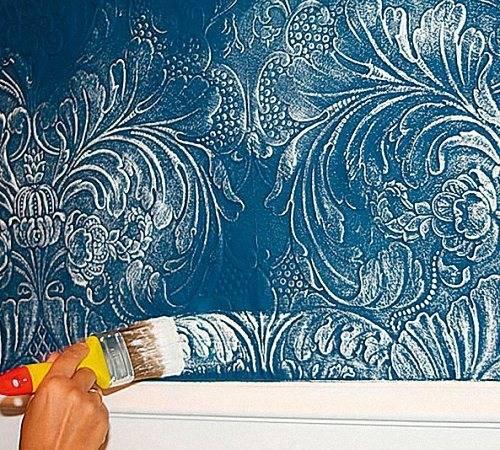 Покраска флизелиновых обоев: характеристика флизелинового покрытия, какую выбрать краску и технология окрашивания