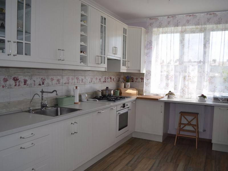 Маленький кухонный гарнитур: фото идей для стильных решений