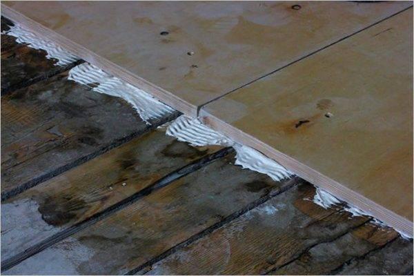 Как выровнять деревянный пол в квартире и доме своими руками: преодолеваем сложности вместе