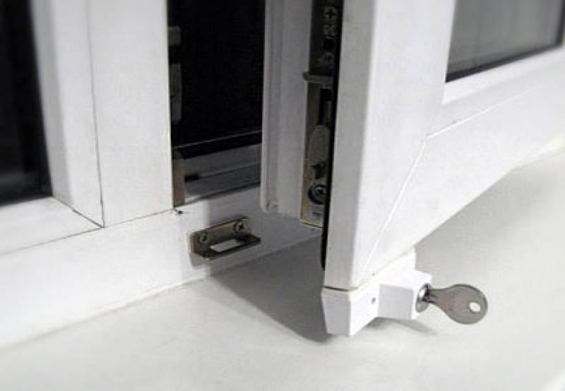 Защита пластиковых окон от детей: обзор замков и ручек-блокираторовзащита на окна от выпадения детей или как защитить малыша