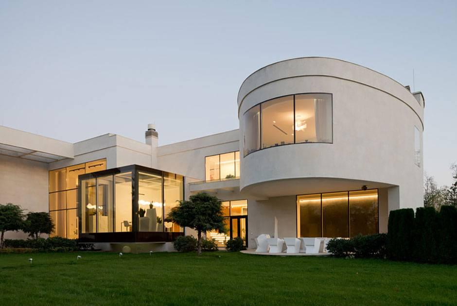Красивые загородные дома с панорамными окнами (70 фото)