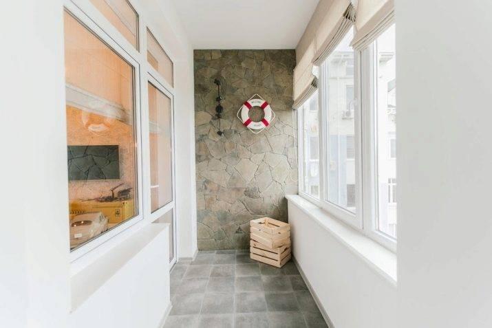 Отделка балкона, лоджии декоративным камнем: фото