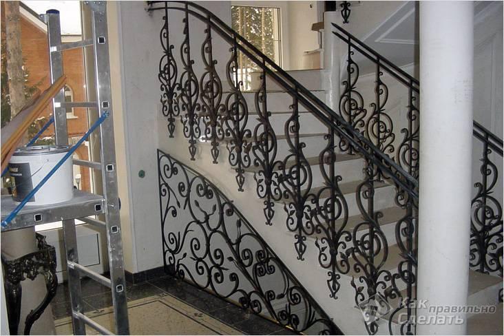 Перила для лестницы в частном доме: фото в интерьере, материалы, виды, расчет ограждений