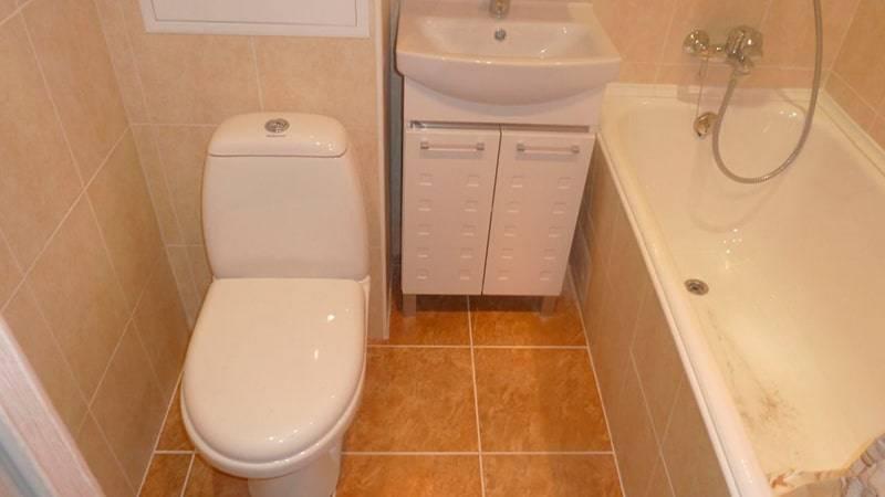 Самая дешевая отделка ванной комнаты и ремонт – руководство и сколько стоит