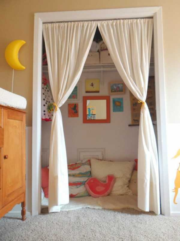 Декоративные шторы на дверной проем своими руками (10 фото)