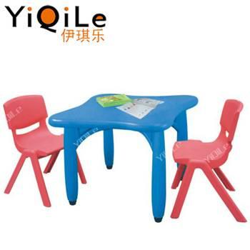 Выбираем детский пластиковый стол