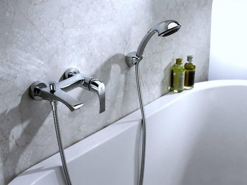 Как выбрать смеситель для ванной с душем