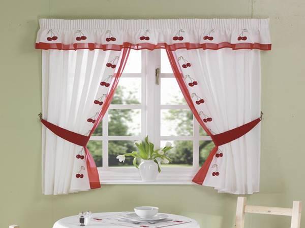 Как выбрать шторы для маленькой комнаты, чтобы она казалась просторнее
