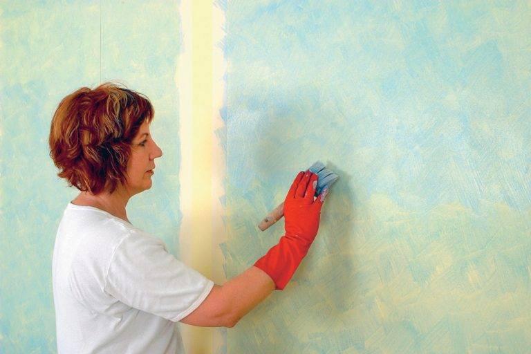 Можно ли красить виниловые обои: покраска краской или покрытие лаком, водоэмульсионной фото