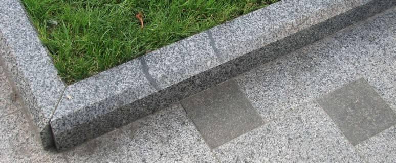 Как класть тротуарную плитку — бордюры в технологии мощения