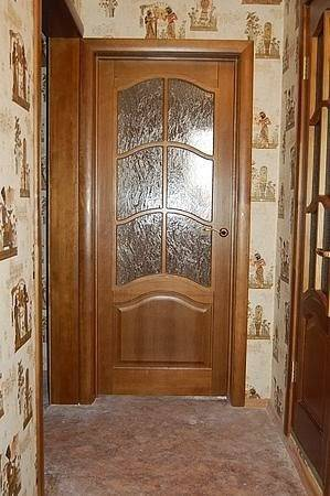 Как вставляют стекло в дверь, основные особенности замены поврежденного стекла новым