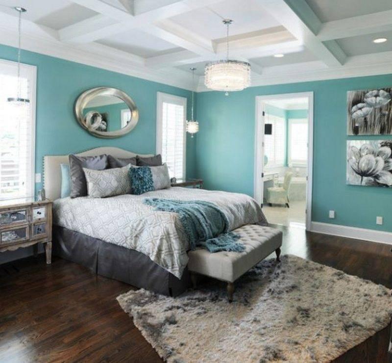Бирюзовая спальня (78 фото): шторы и покрывала в бирюзовых тонах, обои цвета морской волны в дизайне интерьера, сочетание с белыми и серыми оттенками
