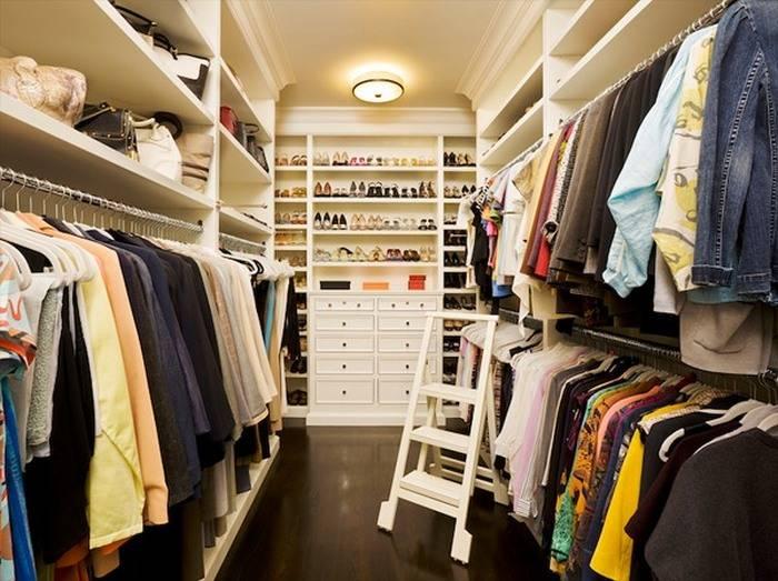 Как быстро и эффективно навести идеальный порядок в шкафу с одеждой?