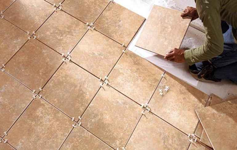 Как класть плитку на пол в три раза быстрее мастера