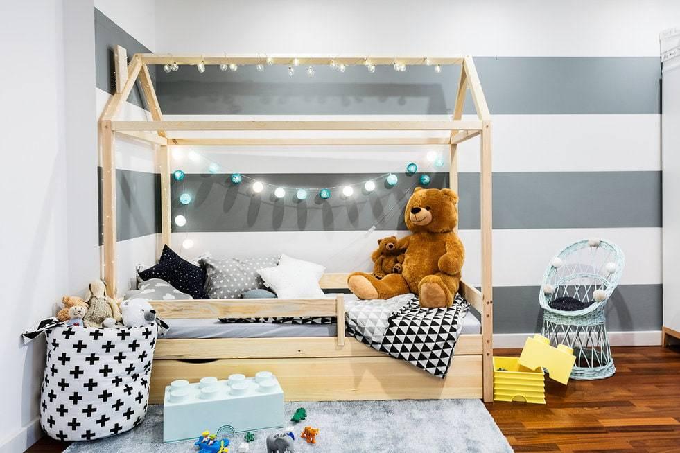 Выбираем кроватку-домик в детскую
