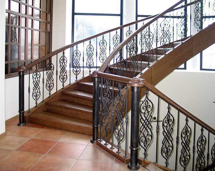 Выбираем красивые и надежные ограждения для лестниц из дерева