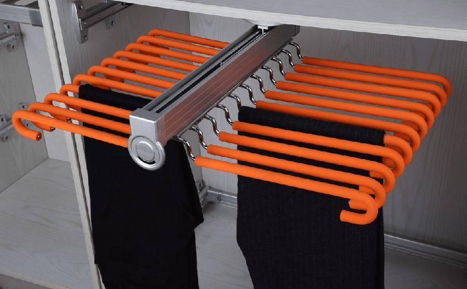 Вешала и вешалки для шкафов-купе, обзор вариантов