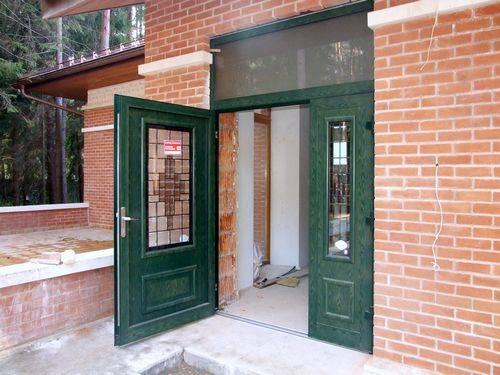 Входные двери - виды наружные конструкций в квартиру и в коттедж