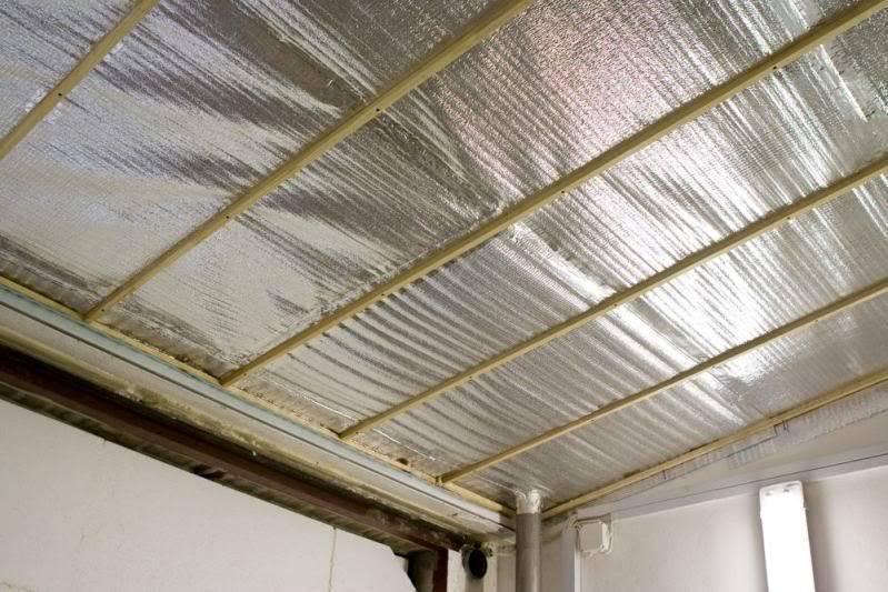 Утепление потолка в частном деревянном доме изнутри и снаружи — выбор лучшего материала и нюансы монтажа