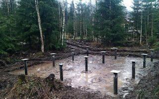 Фундамент на болоте - какой лучше? строительство на заболоченных участках