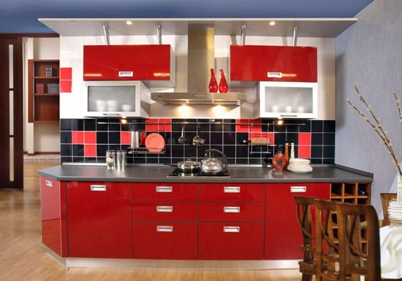 Глянцевые или матовые фасады для кухни - что лучше