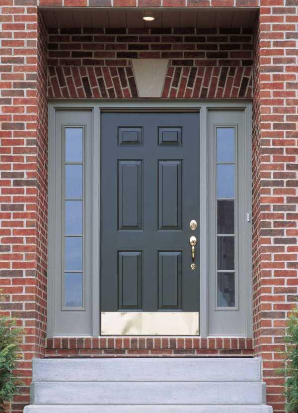 Входные двери для частного дома: варианты, размеры и материалы