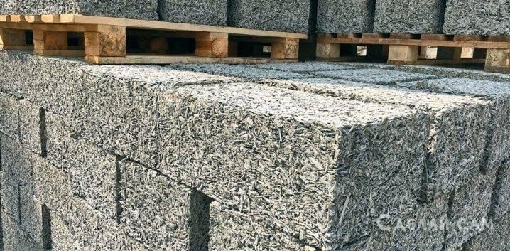 Опилки как утеплитель стен: правила использования, плюсы и минусы, обработка потолка и ремонт своими руками