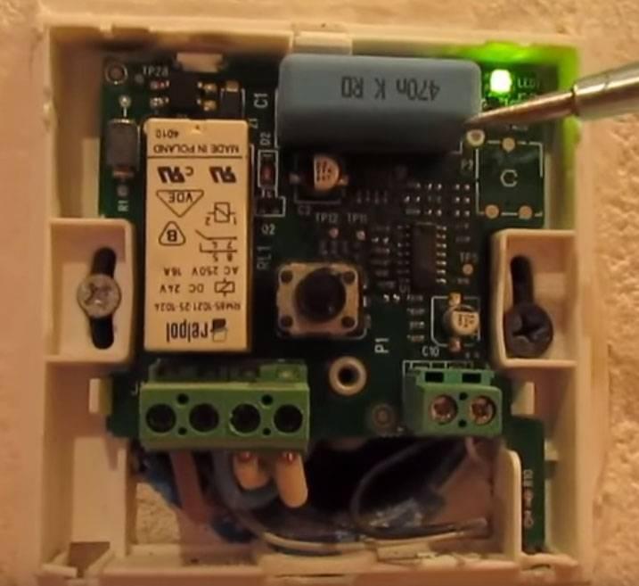 Выполнение ремонта тёплого электрического пола