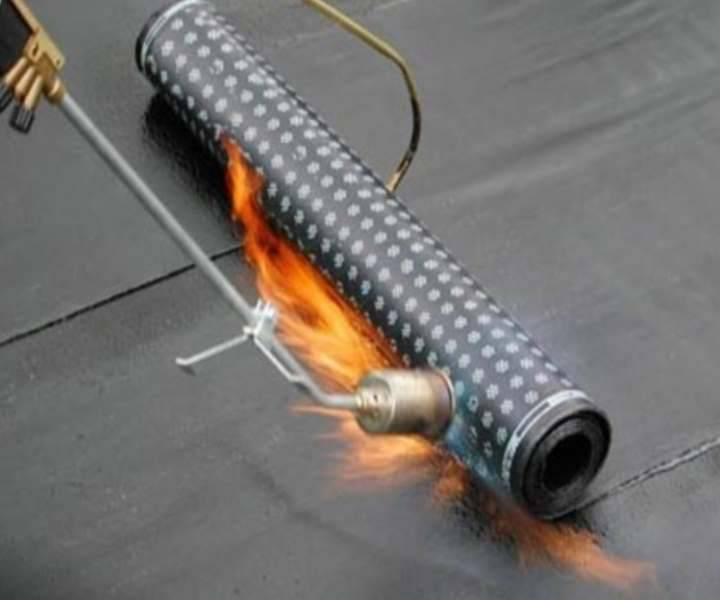 Какие виды рубероида на крышу использовать? Технология укладки для гидроизоляции наплавляемого рулонного материала - Обзор
