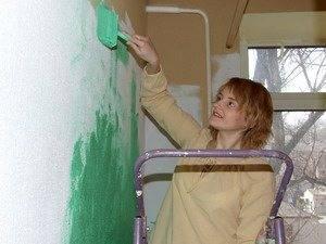Как красить обои под покраску на стене своими руками