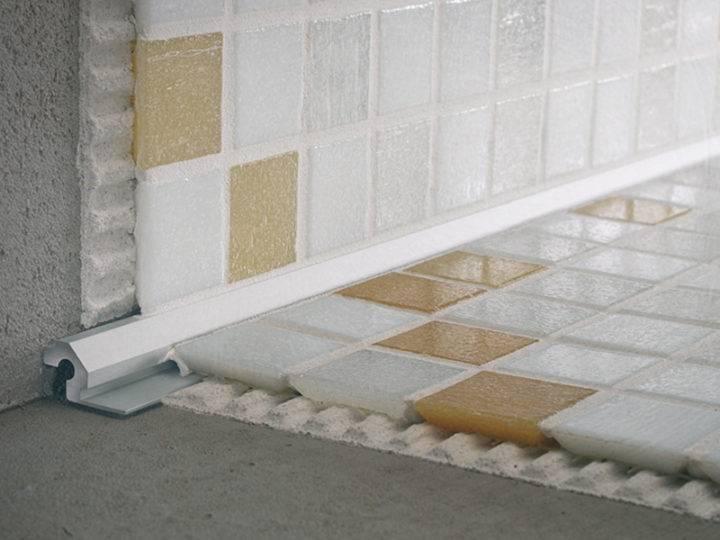 Уголок для плитки (42 фото): наружный пластиковый, керамический и алюминиевый угол, металлические варианты