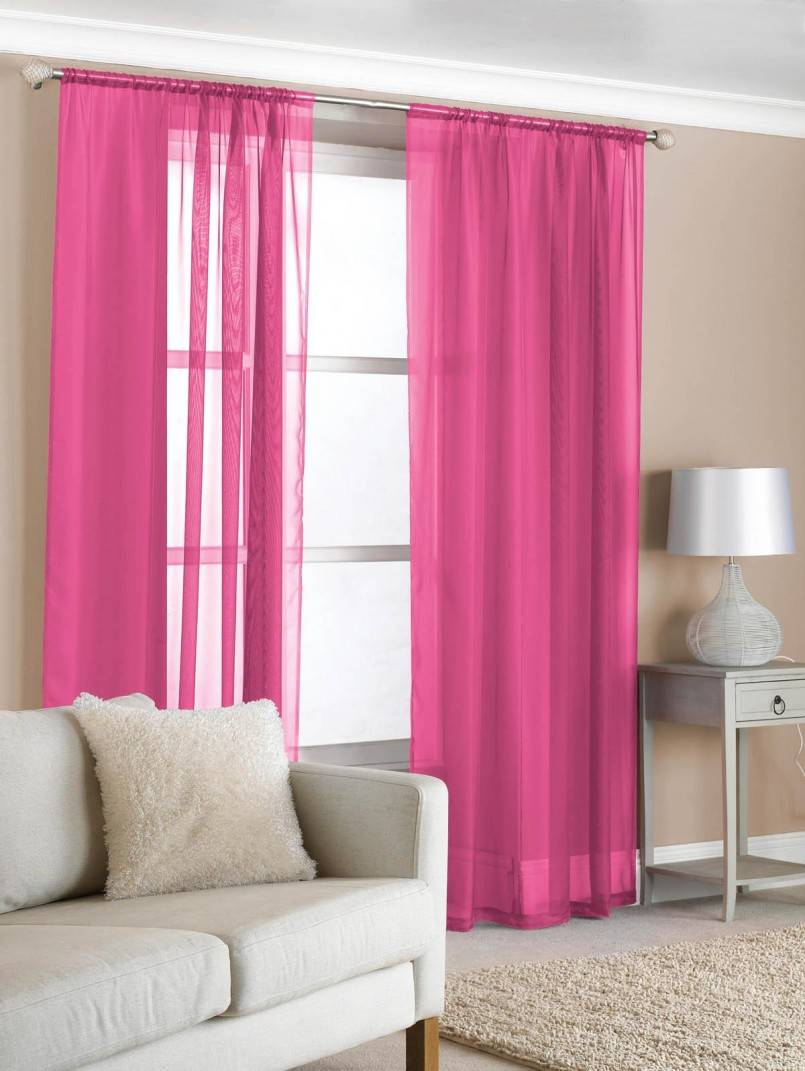 Розовые шторы: основные правила оформления помещения и разновидности портьер