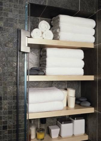 Полка в ванной над стиральной машиной (33 фото): как выбрать полочку и повесить над стиральной машиной в ванной комнате