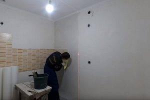 Как клеить стеклообои на потолок - технология и тонкости