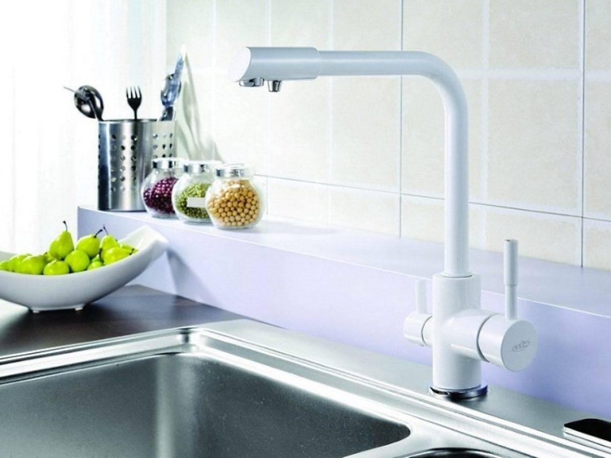 Смеситель для кухни с краном для питьевой воды: фильтрованной и водопроводной