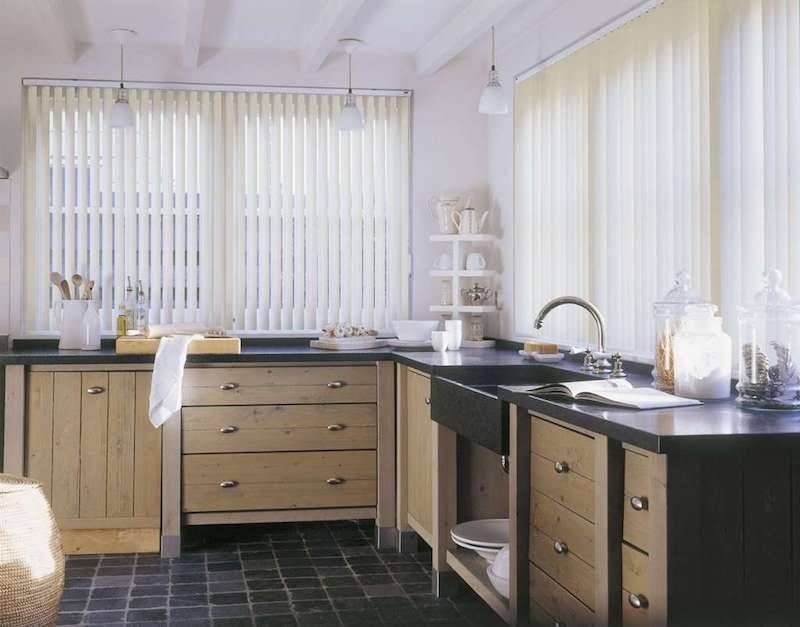 Рулонные шторы самостоятельно из ткани: выбор конструкции